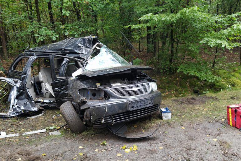 Uszkodzony samochód osobowy